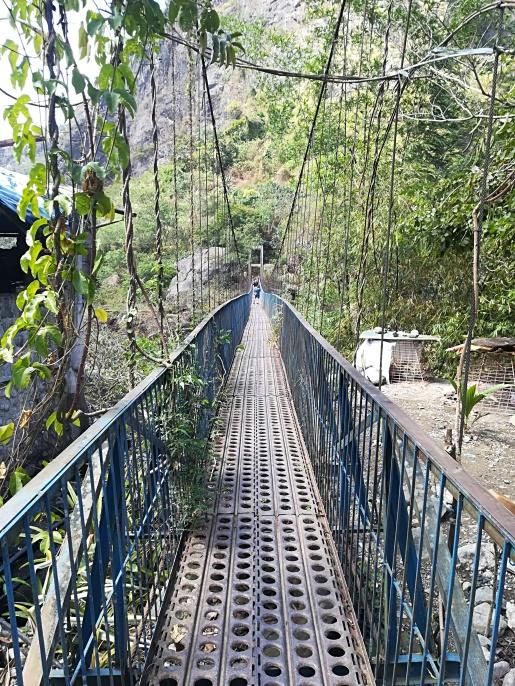 Puente de aproximación a la entrada