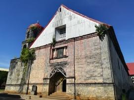 Iglesia en el pueblo de Lazi