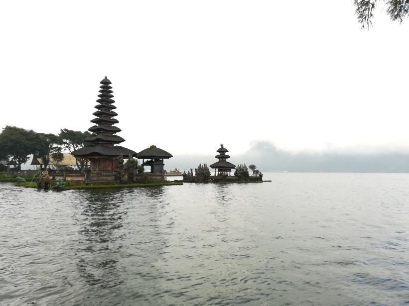 Templo Danau Beratan
