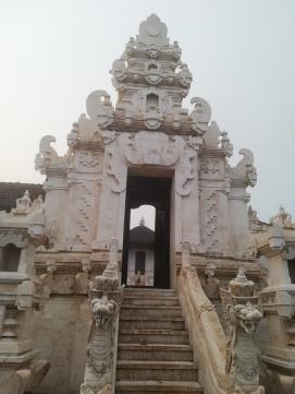 Templo en el camino