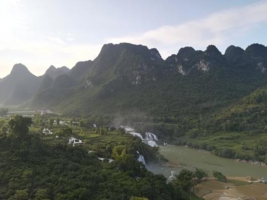 Cascada Ban Gioc desde el mirador del templo