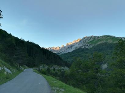 6km de carretera entre Linza y Zuriza