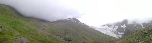 Desde el campo base, un poco nublado
