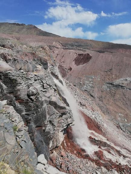 Cascada antes del glaciar